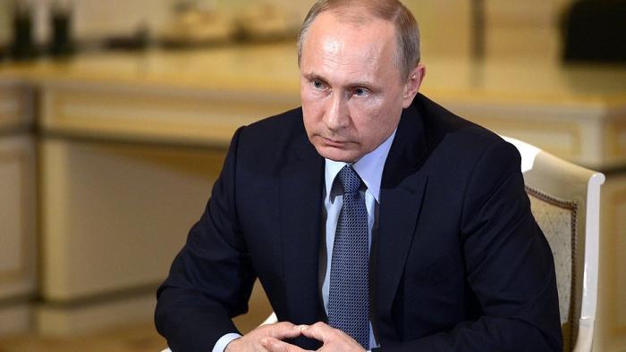 Eine von Putins Trollen schert öffentlich aus und verklagt Ex-Arbeitgeber