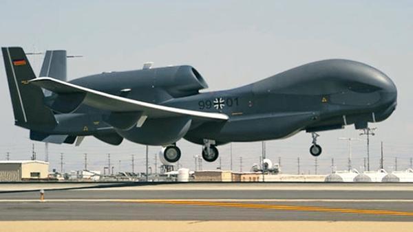 Unmanned Vehicles V: Von Anti-Drohnen-Drohnen, Weihnachtsgeschenken und getarnten UAV