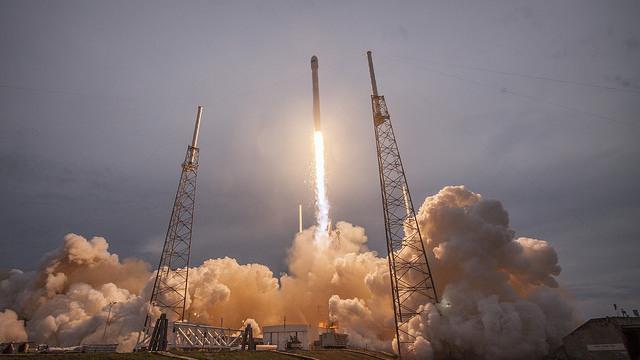 SpaceX: Elon Musk beantragt Tests für Satelliten-Internet