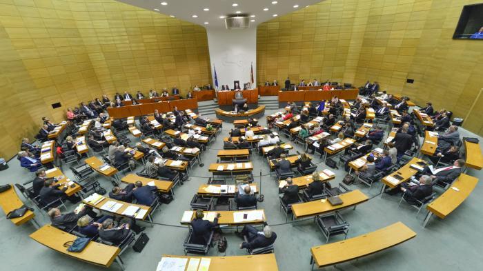 Plenarsaal im niedersächsischen Landtag