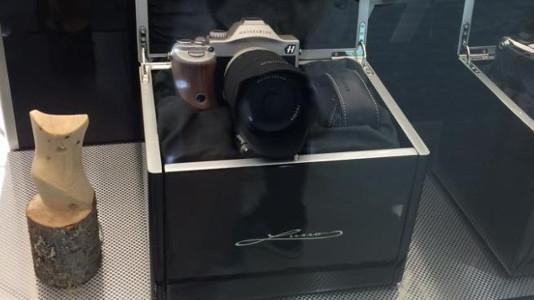 Hasselblad Lusso: neue Kamera auf Sony-A7R-Basis