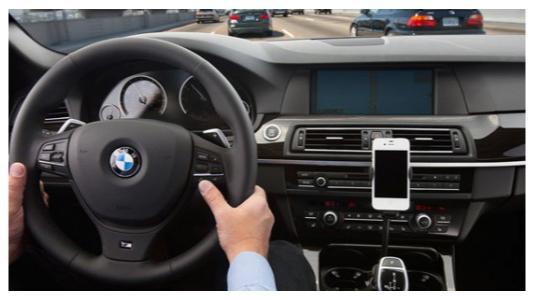 iPhone im Auto