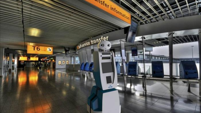 Roboterführer Spencer im Flughafentest