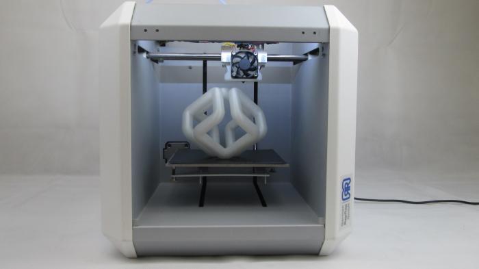 Der neue 3D-Druck-Würfel x150 von German RepRap ist für Profis
