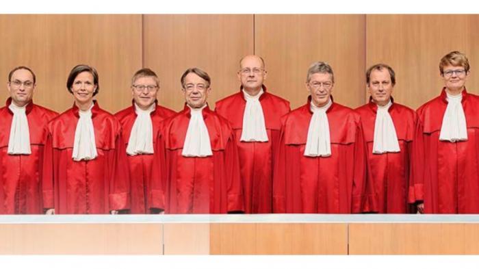 Verfassungsgericht stoppt Vorratsdatenspeicherung vorerst nicht