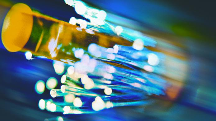 Bundesregierung verlangt Glasfaserkabel entlang von Fernstraßen und anderer Infrastruktur
