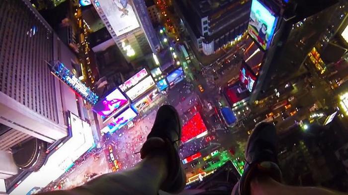 """Auf den Dächern der Welt - Der gefährliche Fototrend """"Rooftopping"""""""
