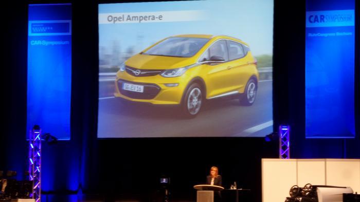 Car-Symposium Bochum: Träume von vernetzten autonomen Autos mit Elektroantrieb