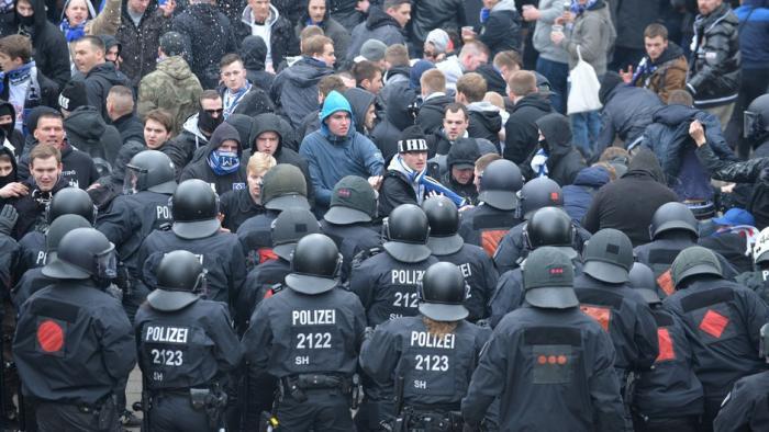 """""""Hooligan-Datei"""": Hamburger Datenschützer befürchtet Krise der polizeilichen Datenhaltung"""