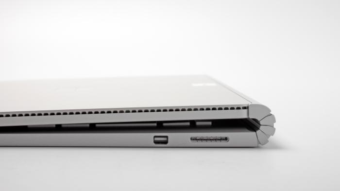 Große Update-Pakete für Surface Book und Surface Pro 4 beheben Standby-Probleme