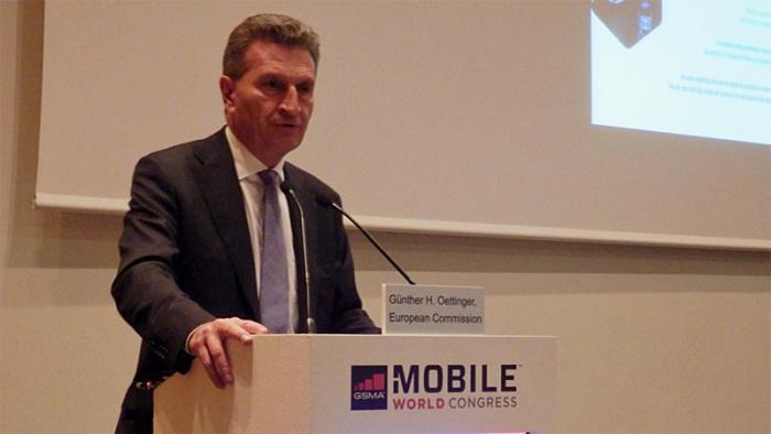 MWC 2015: Oettinger sieht Rückstand und Fortschritt bei 5G