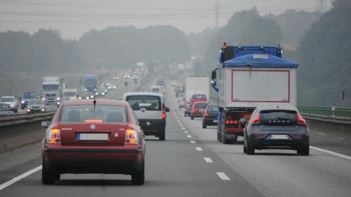 Autobahn, Auto