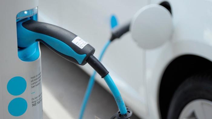 Elektroautos: Wissenschaftler halten Kaufprämie für sinnlos