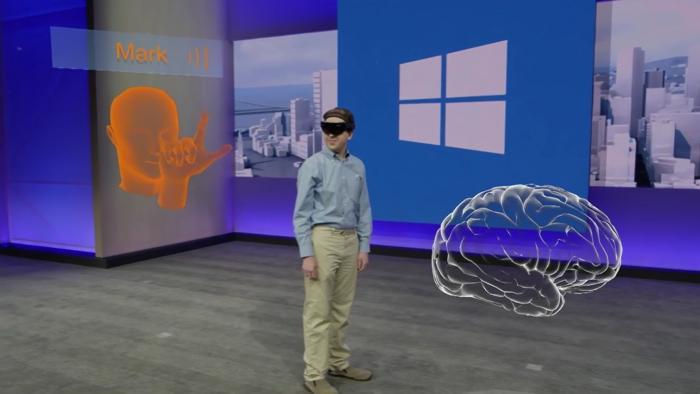 Wenn sich wie in diesem Beispiel der Professor aus Cleveland zuschaltet, kann er aus der Entfernung am virtuellen Objekt unterrichten.