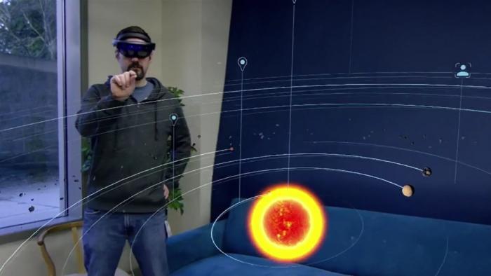 """Mit der Mixed-Reality-App """"Galaxy Explorer"""" können HoloLens-Nutzer die Milchstraße betrachten."""
