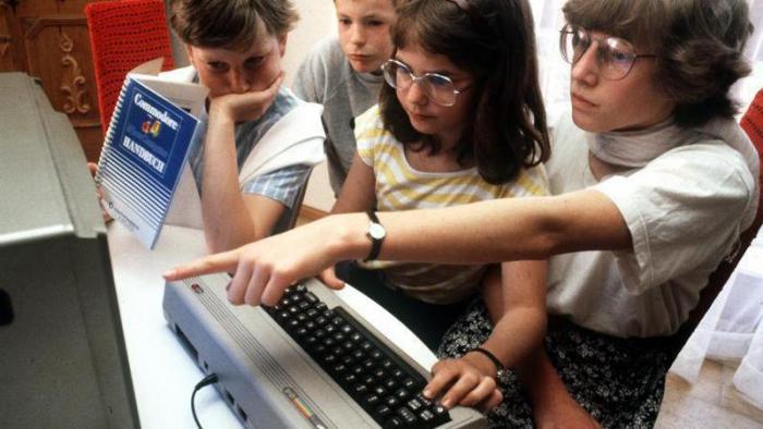 Commodore C 64