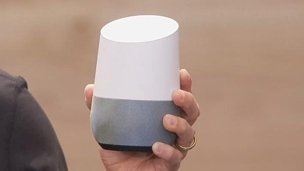 Google Home: sprachgesteuerter Assistent fürs Wohnzimmer greift Amazon an