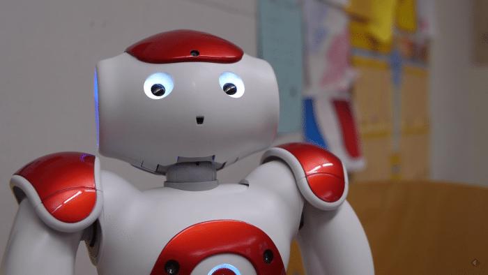 RO-MAN 2016: Blinzelnden Robotern fehlt der richtige Riecher