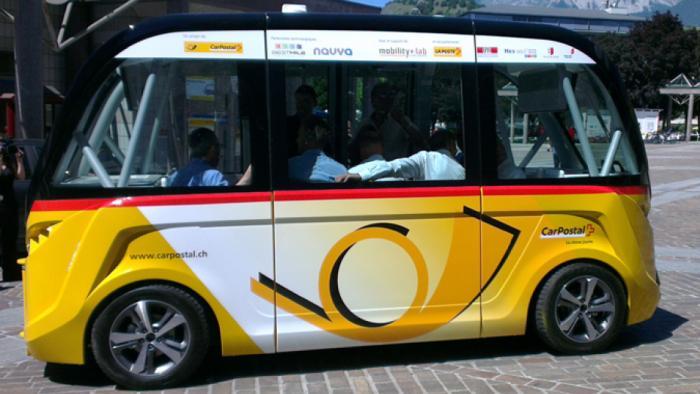Schweiz: Testbetrieb des autonomen Postbusses nach Unfall  unterbrochen