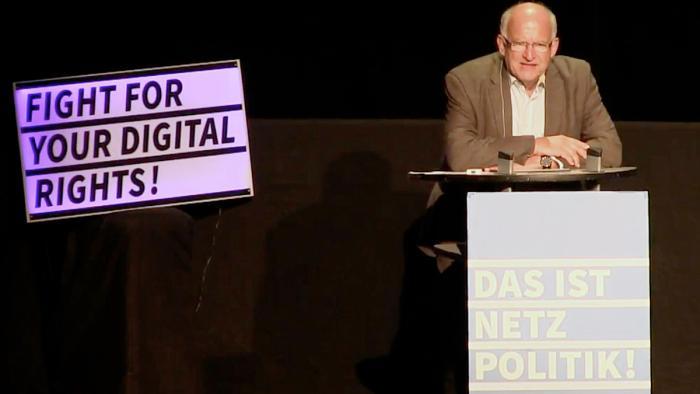 """Terror Score"": Ex-Bundesdatenschützer greift Innenminister an"