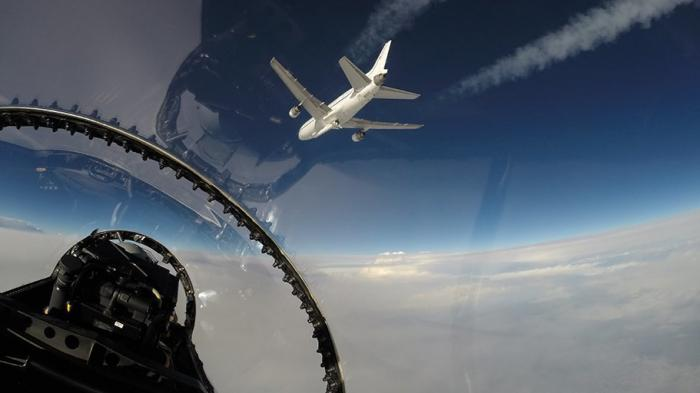 NASA-Hurrikanforschung: Mini-Satelliten von Flugzeug aus ins All geschossen