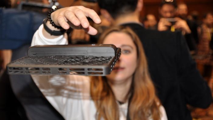 Aluhut-Unterhosen und Selfie-Drohnen: Die merkwürdigsten Gadgets vom Messeauftakt