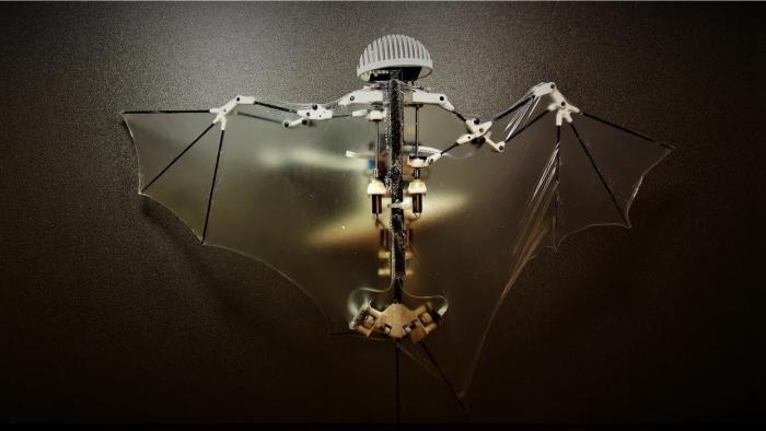 Bat Bot 2: Roboter fliegt wie eine Fledermaus