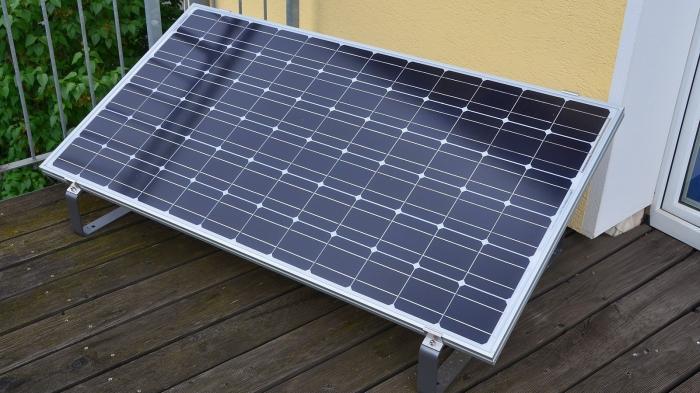 photovoltaik f r die steckdose steckerfertige solarmodule. Black Bedroom Furniture Sets. Home Design Ideas