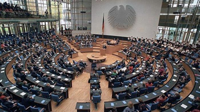 Bundestag fordert mehr durchgehende Verschlüsselung
