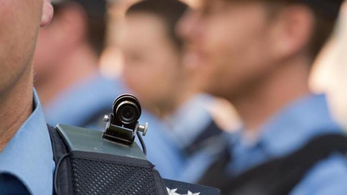 Datenschützer stellt Bedingungen für Polizei-Schulterkameras in Baden-Württemberg