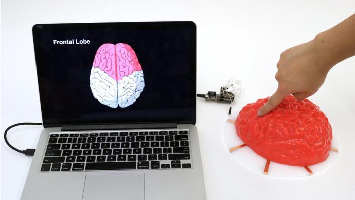 Sprühfarbe und Sensoren können fast beliebige Oberflächen zum Touchpad machen