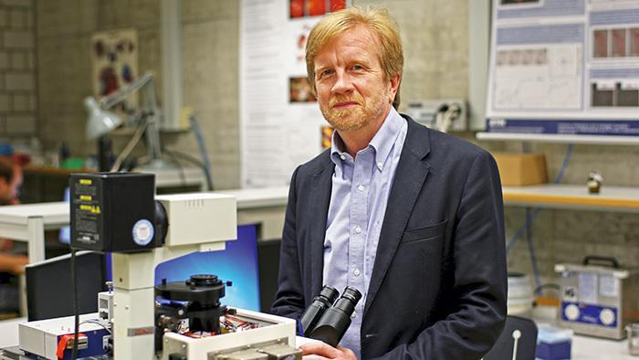 Nanoroboter im Auge unterwegs