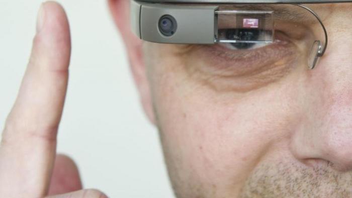 Mit Datenbrille durch den Arbeitsalltag?
