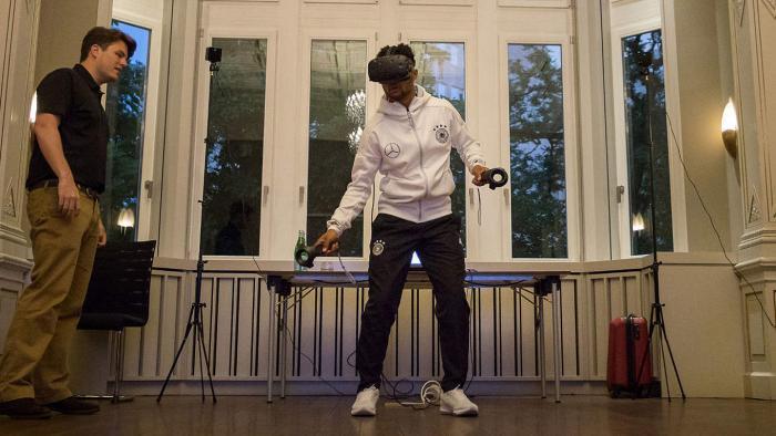DFB-Kicker trainieren virtuell