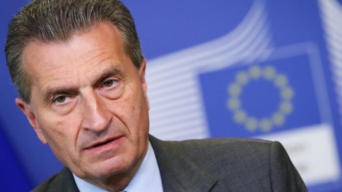 EU-Kommissar Oettinger regt Gutscheine zur digitalen Weiterbildung an