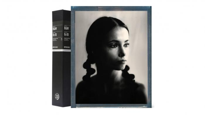 Impossible-Sofortbildfilme für das Format 8 x 10 in Farbe und SW