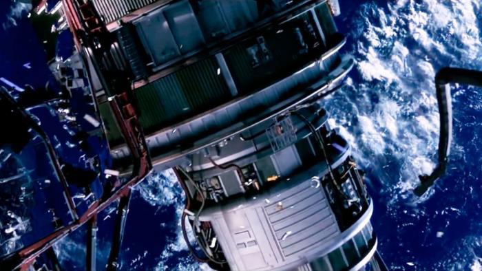 Großer Satellit zerbirst in dicht besiedelter Umlaufbahn