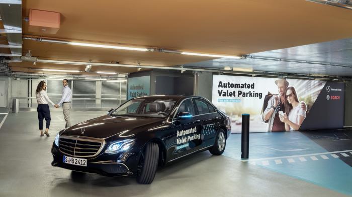 Bosch und Daimler erproben fahrerloses Parken im smarten Parkhaus