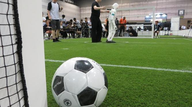 RoboCup-Weltmeisterschaft: Vielversprechender Auftakt – trotz Pannen