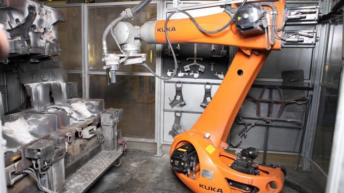Roboterhersteller Kuka will in Augsburg kräftig investieren