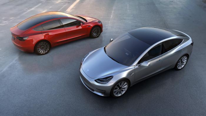 Teslas Quartalszahlen erfreuen Anleger – Ansturm auf Model 3 hält an