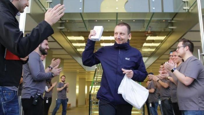 Verkaufsstart iPhone 6s in Hamburg