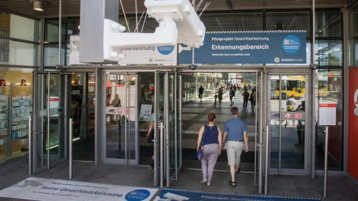 Automatische Gesichtserkennung: Bundesdatenschutzbeauftragte fordert Stopp des Berliner Pilotprojekts