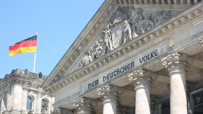 Dem Deutschen Volker, Inschrift am Reichstag, dem Sitz des deutschen Bundestags