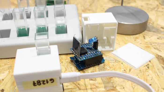 Smartphone-Photometer aus dem Schullabor Mobile Analytik