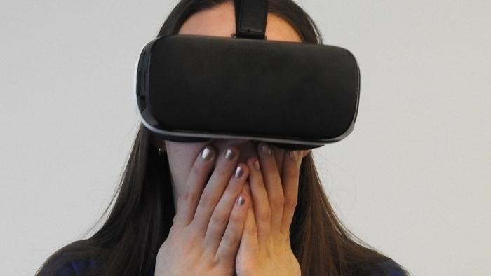 Studie: Virtual Reality, mobile Sprachassistenten und 5G lassen Verbraucher kalt