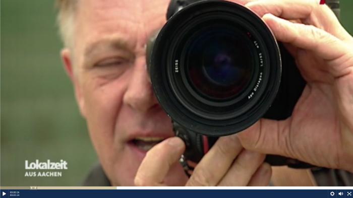 Mediathek-Tipps zum Thema Fotografie: Motivsuche auf dem Fußballplatz