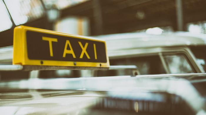 """Münchner Taxifahrer protestieren gegen """"Uberisierung"""""""
