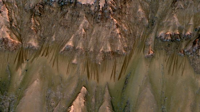 Mars: Zweifel an Indizien auf flüssiges Wasser
