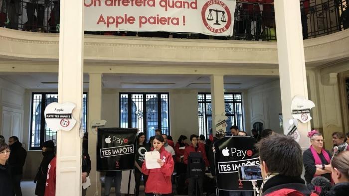 Milliarden-Steuernachzahlung: Aktivisten stürmten Apple Store in Paris